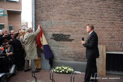 onthulling van het joodse monument aan de Noordersingel te Assen, 30 september 2012